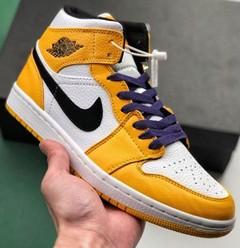 aj1 Mid Lakers 中帮湖人紫黄